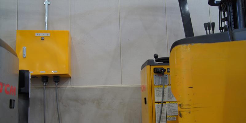 電気式フォークリフト対応の高圧電源設備